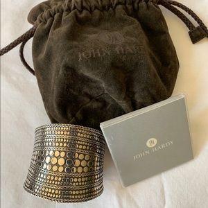 JOHN HARDY Wide Dot Cuff Silver Contour bracelet